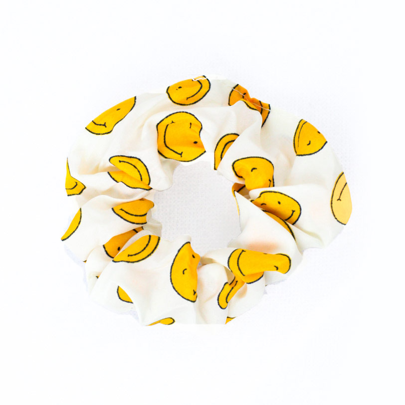 White scrunchie – توكة بيضاء (Gift) - Glosscairo - Egypt