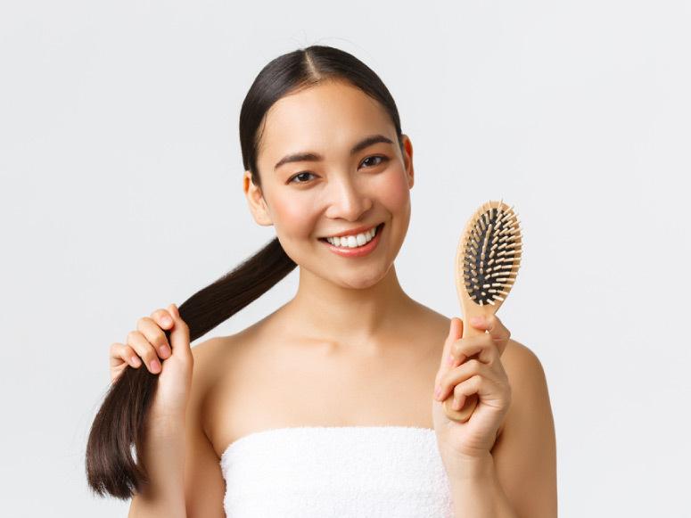 5 خطوات بسيطة تحدد لك نوع مسامية الشعر لأفضل عناية