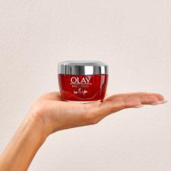 كريم مرطب للبشرة ومضاد للتجاعيد 50مل – Olay - Glosscairo - Egypt