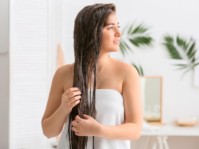 4 منتجات سحرية لتعزيز نمو الشعر بفعالية